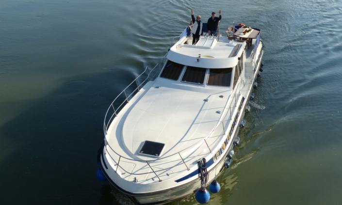 Tarpon 49 Quattro ein ideales Hausboot für 4 Paare
