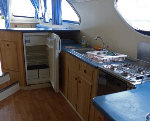 Hausboot mieten Calypso Küchenzeile