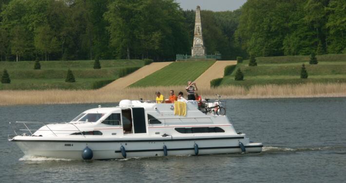 Hausboot mieten Europa 600 mit 3 Kabinen