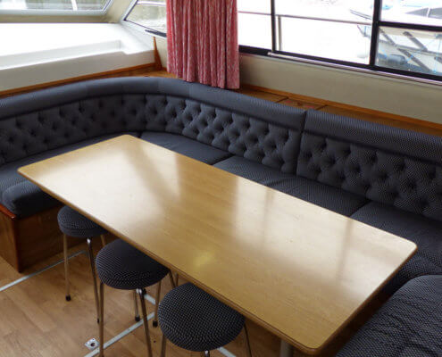 Hausboot Grand Classique mit 5 Kabinen, Sitzecke