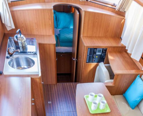 Hausboot Linssen 34.9 Wohnraum und Küche