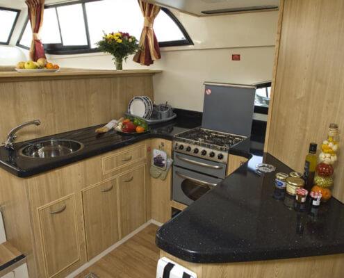 Hausboot mieten Mystique mit moderner Küche