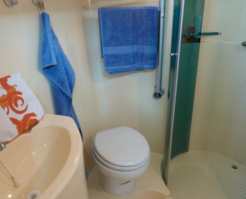 Hausboot Nicols Octo Badezimmer
