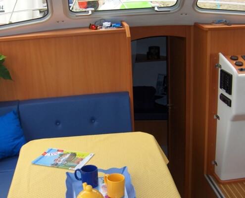 Hausboot Tarpon 32 Wohnraum