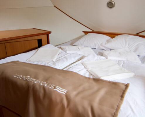 Hausboot Tarpon 42 TP Schlafkabine mit Doppelbett