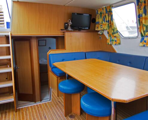 Hausboot Tarpon 42 TP Wohnraum