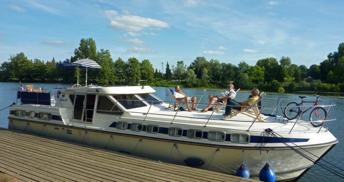 Hausboot Tarpon 49 QP - Entspannung an Deck