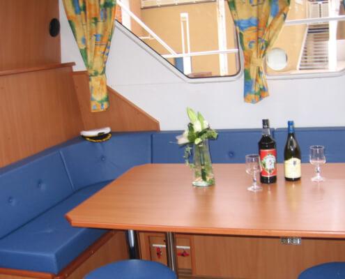 Hausboot Tarpon 40 QP Wohnraum