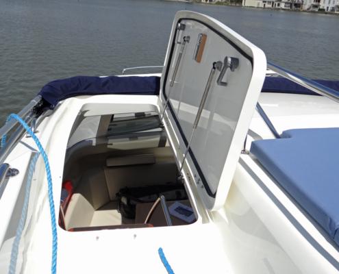 Hausboot Vision SL Ausstieg im Bug