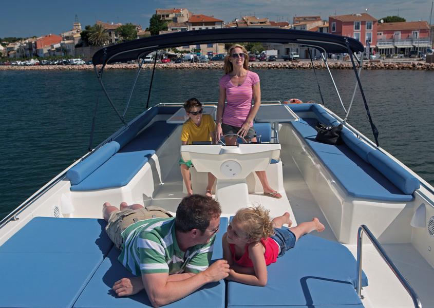Hausboot Vision Aussendeck mit Steuerstand