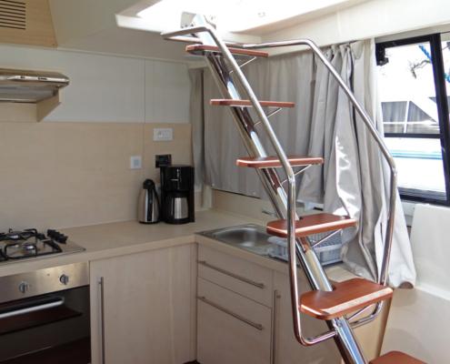Hausboot Vision SL Treppe im Wohnbereich