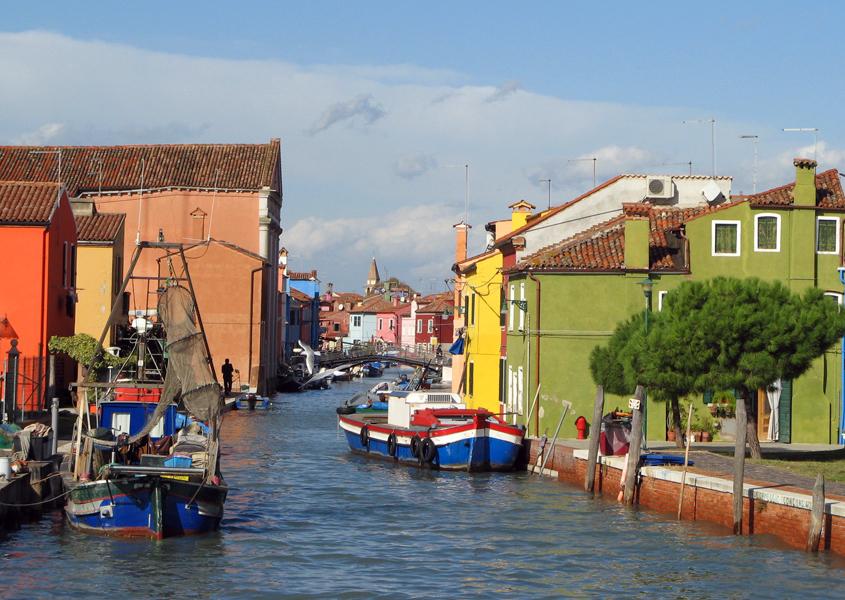Hausboot in der Lagune von Venedig Burano