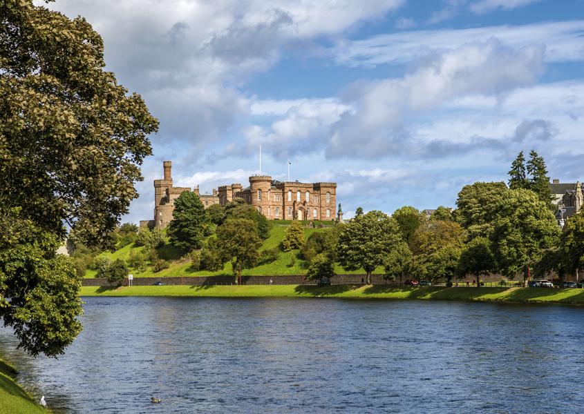 Hausbootfahren ab Inverness in Schottland
