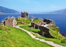 Hausboot fahren Loch Ness Schottland