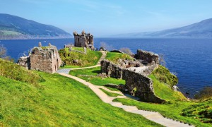 Hausboot mieten Schottland Hausboot fahren Loch Ness Schottland
