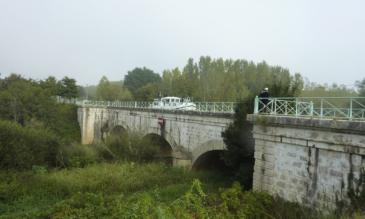 Kanalbrücke über die Baise