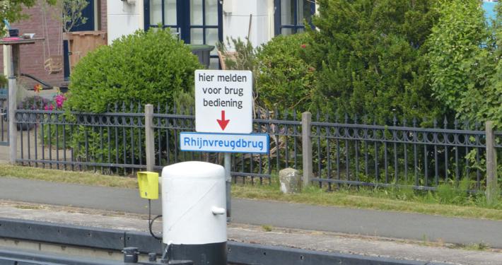 Bedienung der Brücken in Holland