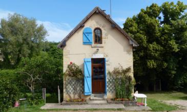 Canal du Nivernais altes Schleusenhaus