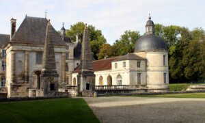 Chateau Tanlay am Canal de Bourgogne