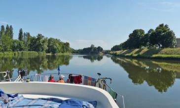 Hausbooturlaub im Burgund Loire