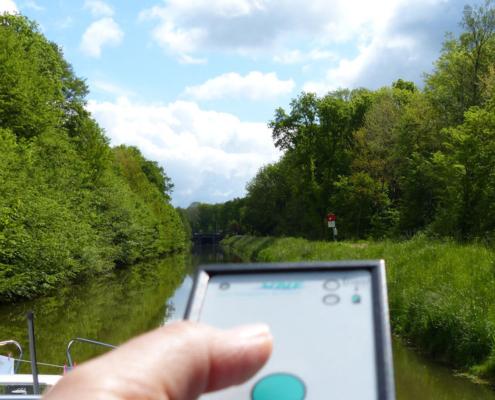 Fernbedienung der Schleusen auf dem Canal de Vosges