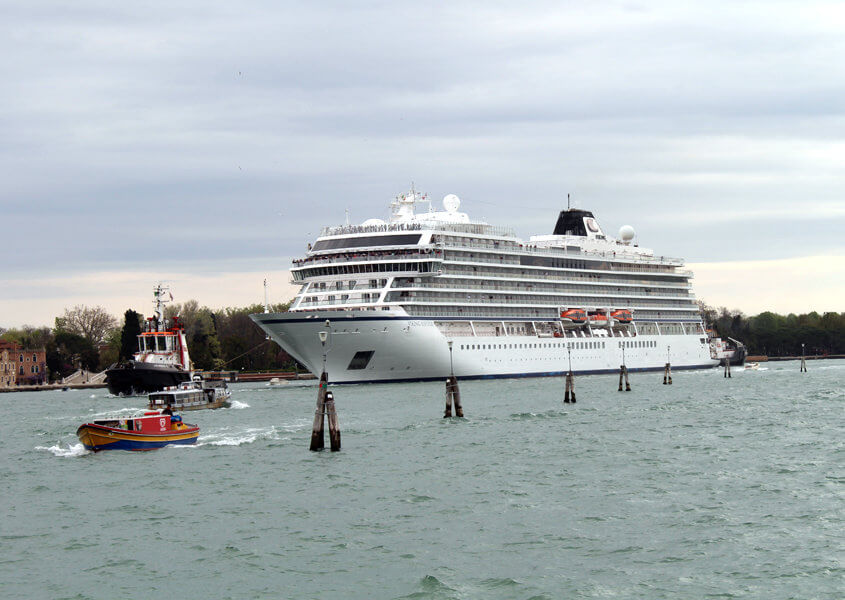 Mit dem Hausboot in der Lagune Venedig
