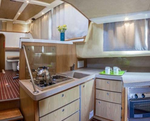 Küche einer Penichette 1020FB