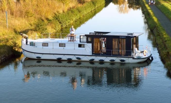Hausboot mit 6 Kabinen