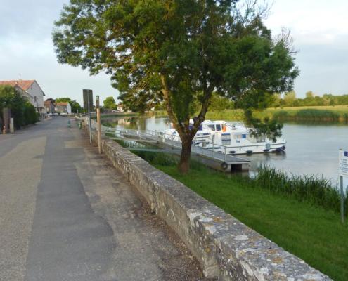 Hausboot Seille, Hafen in La Truchere