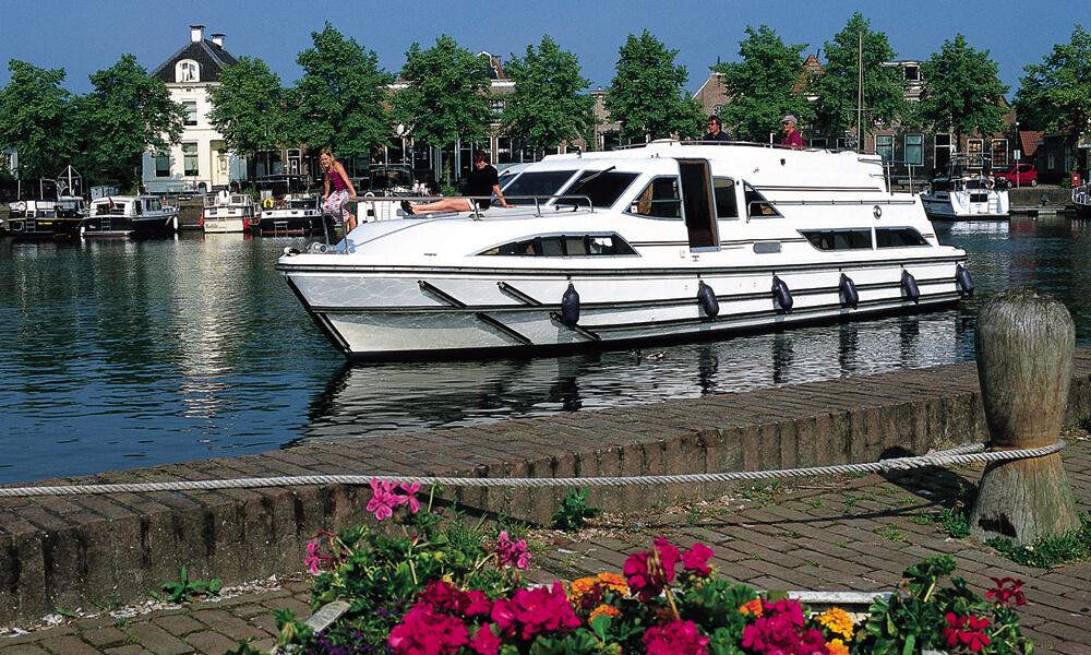 Hausboot führerscheinfrei für 6 Personen