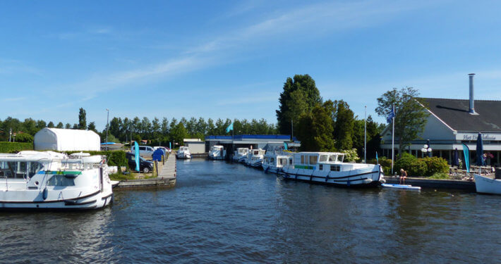 Hausboot Hafen in Loosdrecht Holland