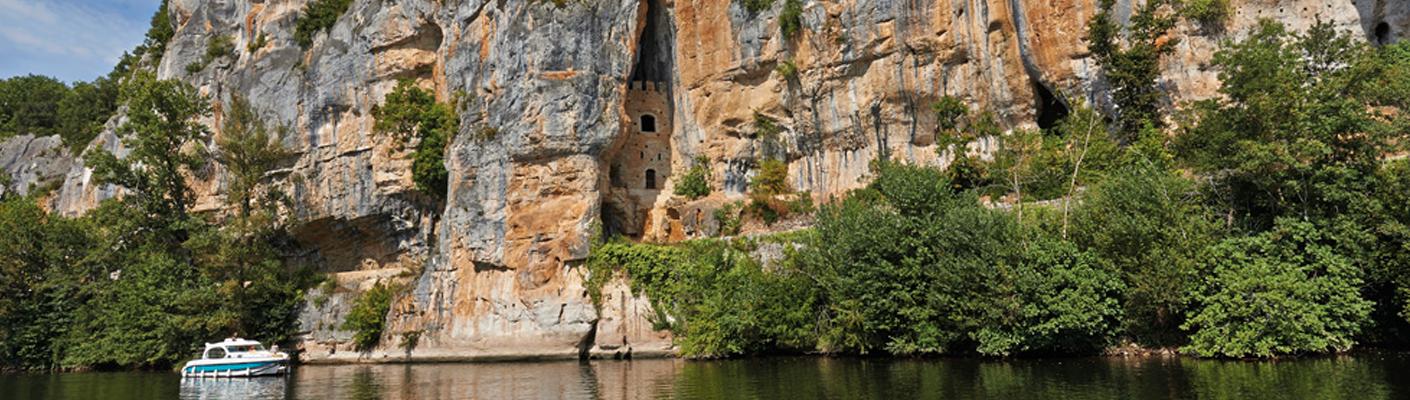 Hausboot auf dem Lot in Frankreich