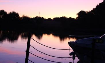 Hausbooturlaub Mayenne Abendstimmung
