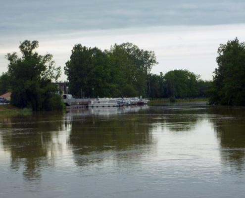 Hausboote auf der Seille, Hafen in Louhans