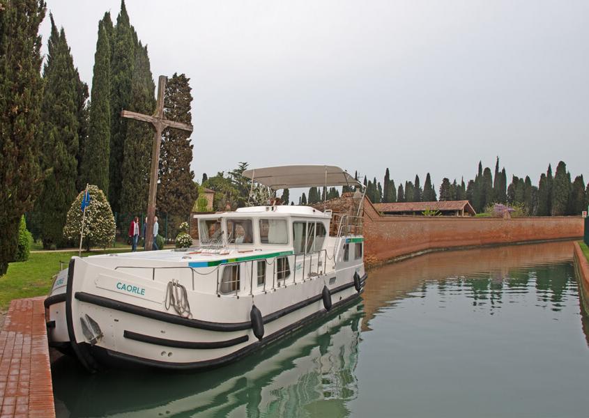 Hausboot Anlegestelle Francesco del Deserto
