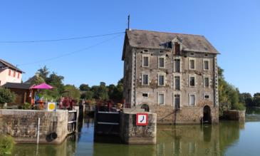 Schleuse an der Mayenne