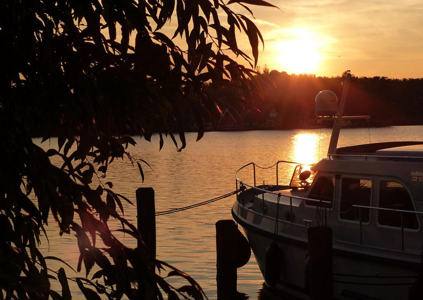 Sonnenuntergang Hausboot