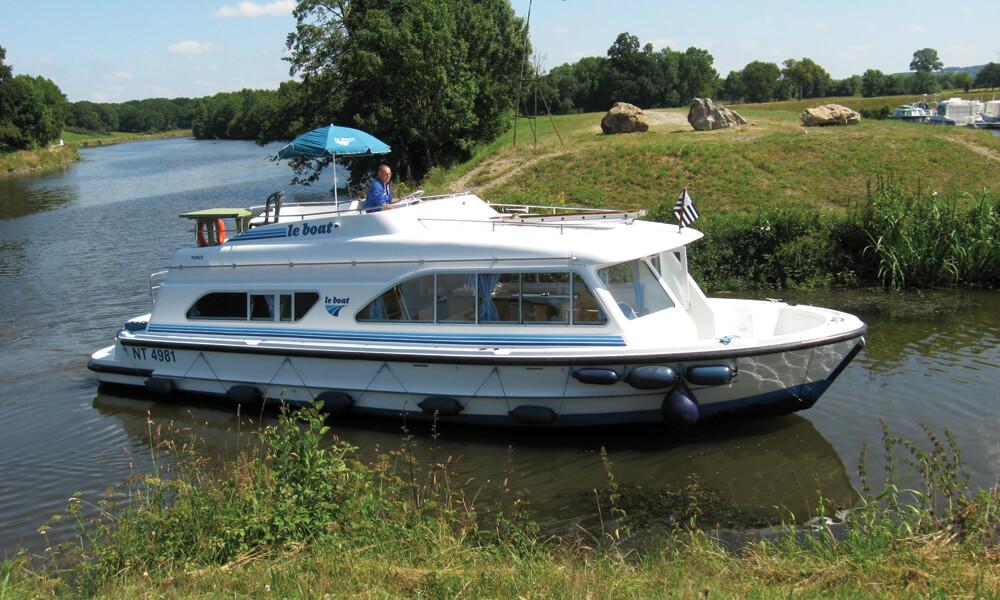 Hausboot Tango mit 2 Kabinen, führerscheinfrei