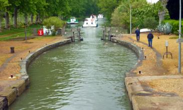Hausboot fahren Geschichte Canal du Midi ovale Schleusen
