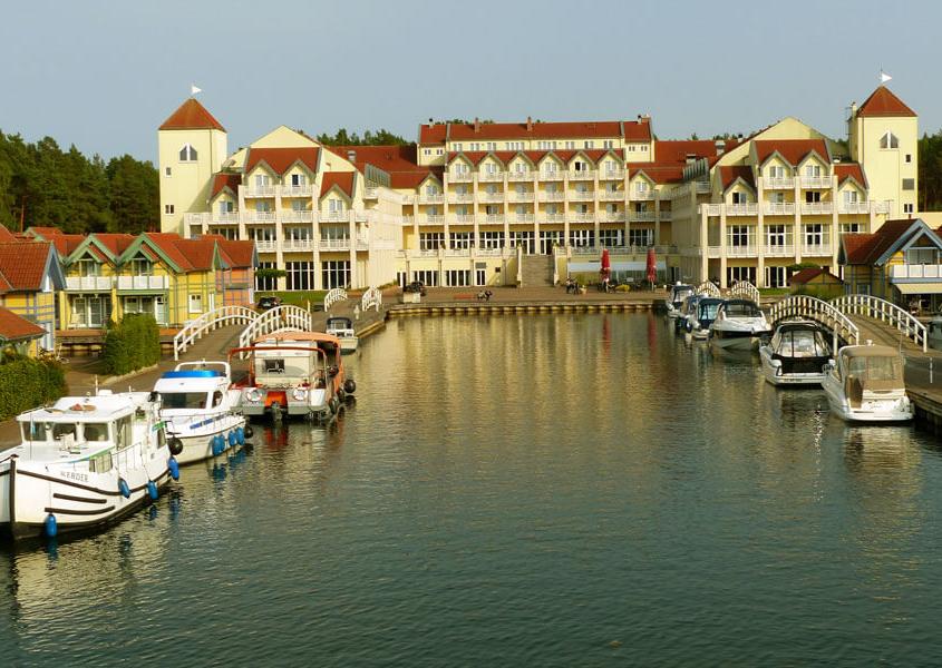 Hafendorf Rheinsberg Hafen, Hofel und Restaurant