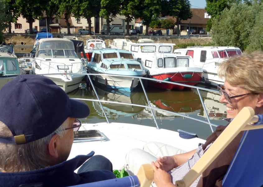Hafen in Pontailler sur Saône Hausbooturlaub Saone