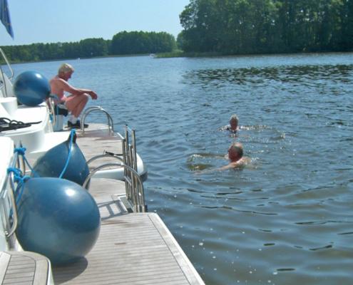 Mecklenburgische Seeplatte direkt vom Boot aus baden