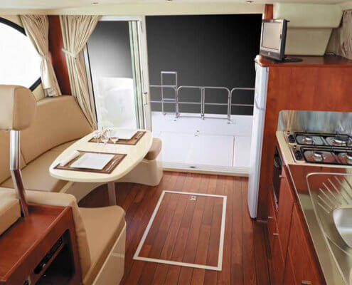 Hausboot Nicols Quattro S Wohnraum und Küche