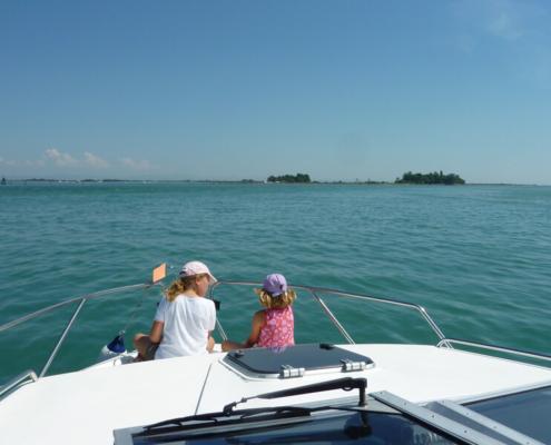 Hausboot fahren in der Lagune Grado Marano